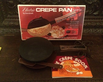 Crepe Pan in Original Box with all Original Assesories Electric by Grandinetti Model BP303 1975 Makes up to 9 inch Diameter Crepes