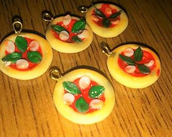 Fake pizza charm/Fake food/miniature pizza/miniature food/jewelry charm/fake pizza/fake jewelry