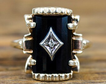 Stunning Classic 14k Gold Onyx and Diamond Ring