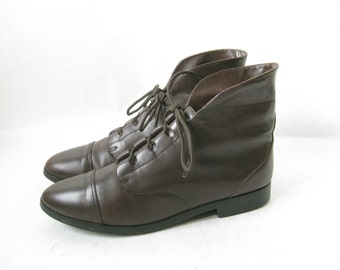 Vintage 80's Brown Leather Lace Up Cuff Boots. Size  71/2
