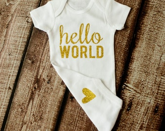 Going Home Outfit, Hello World, Newborn Outfit, Baby Shower Gift, Coming Home Outfit, Newborn Onesie, Heart on Bum