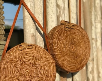 Rattan Bag Natural Handwoven Bali Round Bag Straw Bag with Button or Bow Clip for Small Girls or Kids 114-119 cm strap
