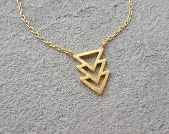 Triple triangle Necklace gold, geometric gold necklace, pendant necklace yellow, gold plated necklace, delicate minimalist necklace