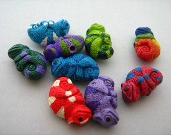 4 Tiny Chameleon Beads - CB598