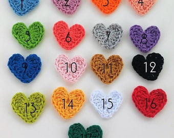 10 applique hearts in 35mm - crochet - 10 Crochet HEARTS hearts crochet appliques 35mm - 10 appliques COEURS au crochet