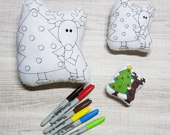 Reindeer Colour-In Stuffie ITH Embroidery Pattern