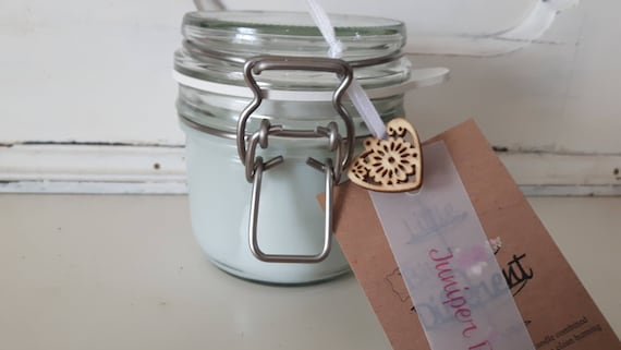 Juniper Breeze candle. Kilner style jar. Beautiful soy wax candle scented with juniper breeze.  Vegan candles.  Eco soy.  Made in Wales UK