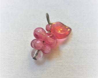 1 bunch of grapes 22x10mm charm