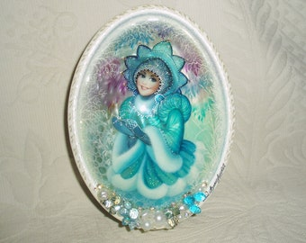 "Beautiful Russian Lacquer box Shell Fedoskino ""Snow Maiden with a snowflake"" Hand Painted"