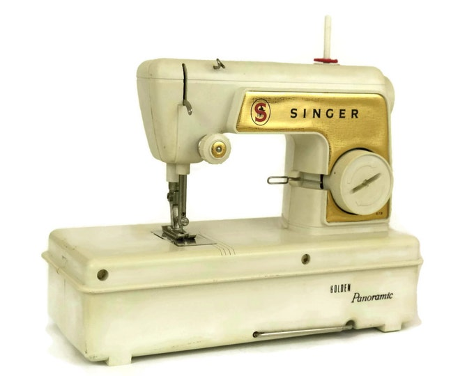 Vintage Toy Singer Golden Panoramic Sewing Machine. Vintage Singer Sewing Machine.