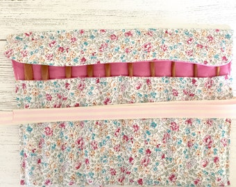 Crochet hook storage roll (ditsy floral fabric)