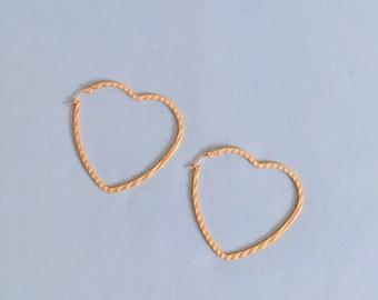 Vintage 1990s Gold heart hoop earrings // y2k