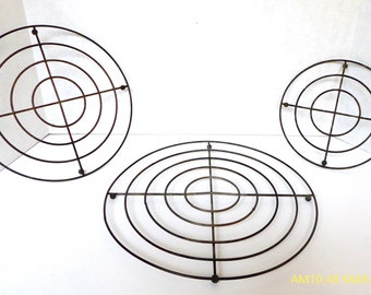 Vintage Pot Trivets: Offered As a Set of Three Sizes