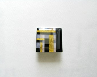 Brooch Resin-Abstract-Resin Modern Brooch-Resin Brooch-Black White Resin Brooch-Contemporary Brooch-Resin Art-Contemporary Jewelry