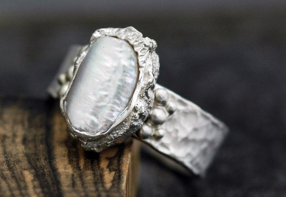 Biwa Pearl in Textured Sterling Silver Ring