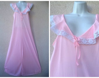 "1970s Nylon NIGHTGOWN. Romantic Nightgown. Long Nightgown. Lace Trim. Pink Nightgown. Silky Nylon Nightgown. Nice Sweep. Full Length. M 38"""