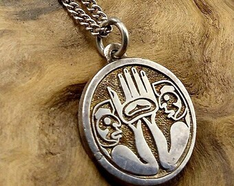 First Nations Design Vintage Sterling Silver Pendant Necklace