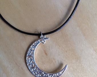 Laced Crescent Choker