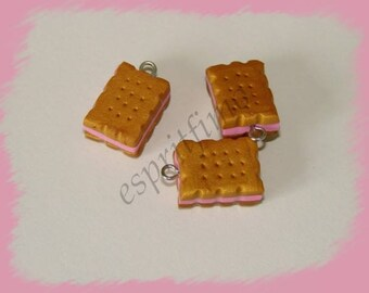 """Charm """"little biscuit cookie cutter"""" Fimo"""
