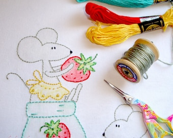 PDF Hand Embroidery Pattern, Quilt Pattern, Embroidery, Strawberry Snookers