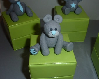 ON ORDER!  Green candy box anis, and gray. Ideal baptism, marriage