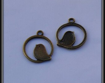 Set of 2 birds in circle charms bronze