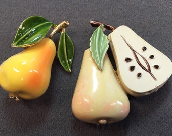 A Pair Of Pears-Cute Vintage Enamel Brooches.  Free shipping