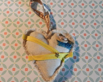 Fabric heart decoration MAKE IT HAPPEN