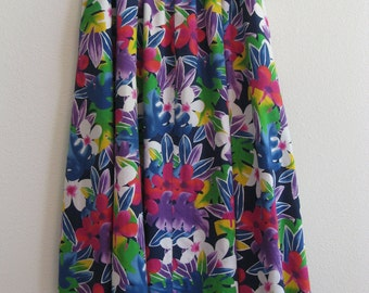Liz Sport Skirt (calf length), bold colorful floral print on navy, cotton, size M, very good condition