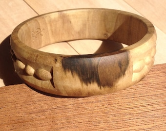 Spotted mustang wooden bracelet, wood carving