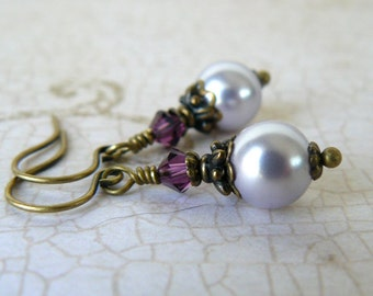 Lavender Pearl Earrings, Pale Purple and Amethyst Vintage Style Pearl Dangles, Bridesmaid Jewelry, Lilac Wedding Jewelry, Swarovski Elements