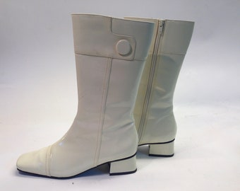 Mod Boots | Vintage | 1970s | Go-Go Style | Vinyl | White | Small heel | Size EU 38/US 7,5/UK 5,5 | Deadstock