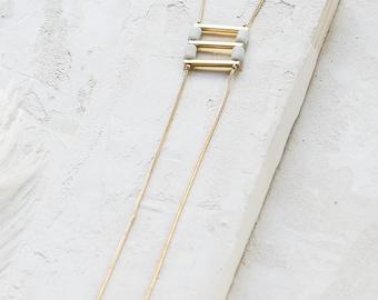 Collier Liberty, collier Long géométrique, collier Long minimaliste, collier A-symétrique