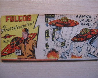 An old comic book: Lilliput Fulgor the stratosphere kite, attack on the Earth ... 1954