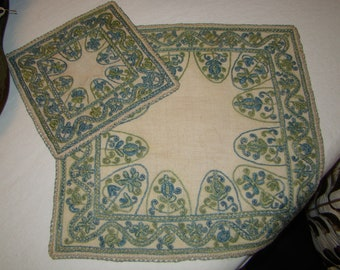 Vintage Handwork Placemats and Napkins- Set of Four