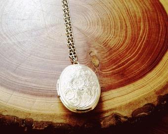 long locket necklace | silver oval decorative | portland oregon | everyday locket