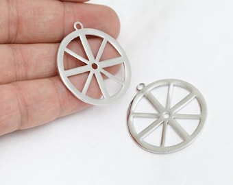 33x37mm Silver Wheel Pendant, Wagon Wheel Charms, Brass Wagon Wheel Charms, BRT237
