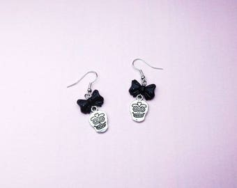 Heads of the dead, Mexican muerta, bow earrings