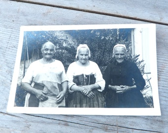 Vintage old French black & white postcard 3 old womens