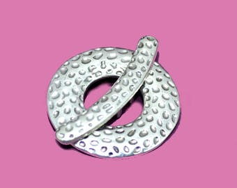 25mm silver hammered toggle clasp
