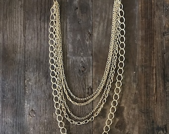 MINT Condition Vintage Gold Layer Chain Necklace  J79