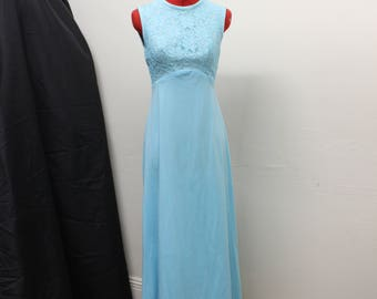 1970's Blue Sleeveless Empire Waist Maxi Dress. Near Mint Condition.  Perfect for a Bridesmaid, wedding guest, prom, or formal event. Size 6