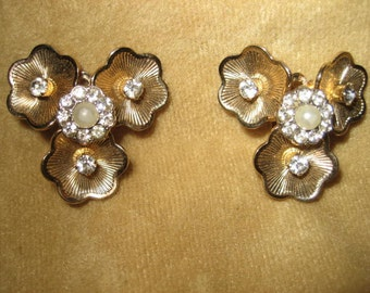 50s Coro Goldtone Pearl and Rhinestone Flower Earrings Vintage