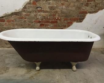 Charming Vintage Kohler Cast Iron Clawfoot Tub