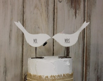 Bird Cake Topper, Mr and Mrs Cake Topper, Wooden Birds, Shabby Chic Wedding Cake Topper, Bride and Groom Cake Topper,