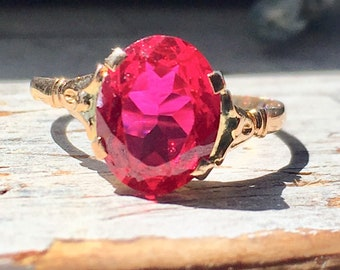 18k yellow gold vintage ruby ring