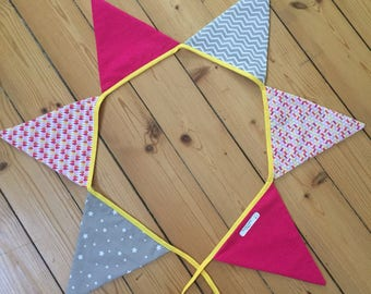 Six kids red Bunting