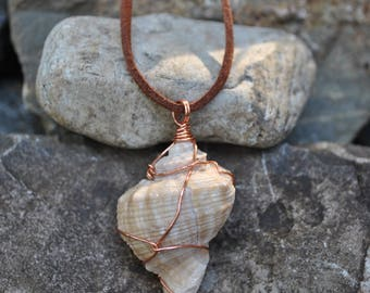 Wire Wrapped Shell Necklace (A)