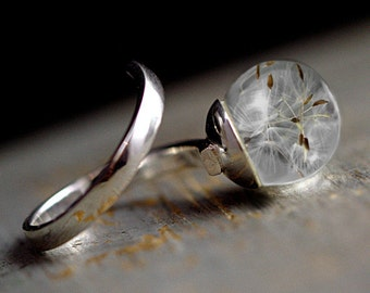 Sterling real dandelion wrap around Ring. 925 silver twisted ring with dandelion seeds in glass orb. Minimalist nature jewelry for her.