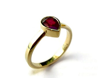 Teardrop Ruby Gold Ring , Gemstone Tear Drop Shape, Unique Engagement Ring, Bezel Ring, 14K Solid Gold Ring, for her, Pear Cut Ruby Stone